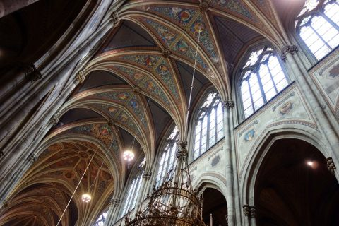 ヴォティーフ教会は十字架の形