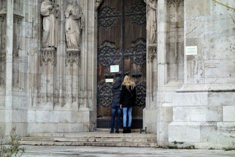 ヴォティーフ教会の開館時間