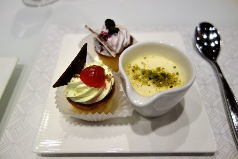 al-mourjan-business-loungeケーキの味
