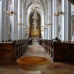 ウィーン《アウグスティーナ教会》へ!美しい祭壇とパイプオルガン