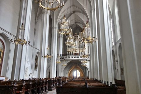 augustiner-kircheの身廊