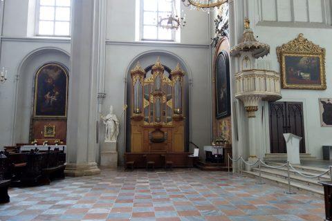 augustiner-kircheの側廊
