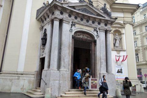 ウィーン「ペーター教会」入口