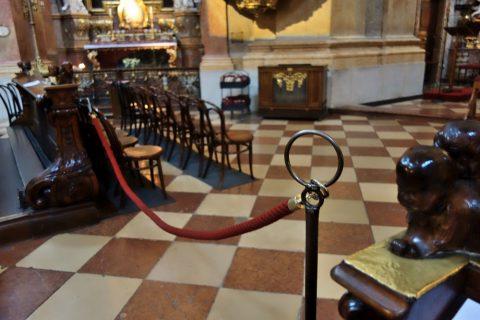 ウィーン「ペーター教会」ロープ