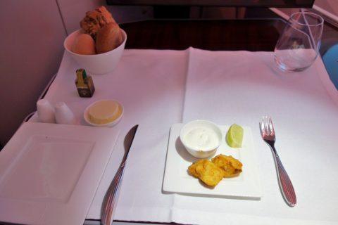 カタール航空ビジネスクラス(ドーハ~ウィーン)アミューズブーシュ