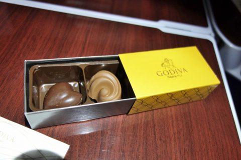 カタール航空ビジネスクラスのGODIVA