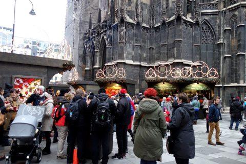 vienna-christmas-marketシュテファン大聖堂前