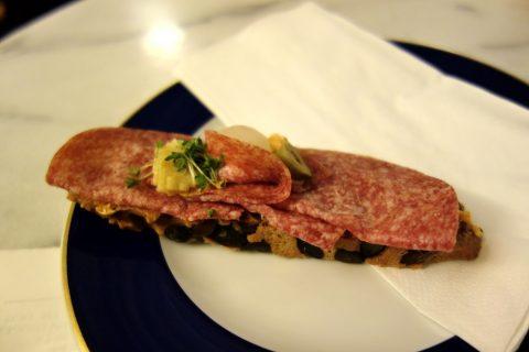 wiener-staatsoperサラミのサンドイッチ