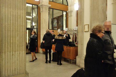 ウィーン国立オペラ座クローク
