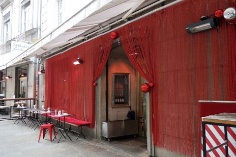 Delikatessen-Frankowitschの店舗入口