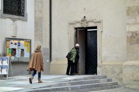 グラーツ大聖堂の入口