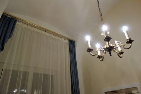 Erzherzog-Johann-Palais-Hotelの高い天井