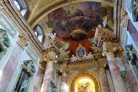 イエズス会教会ウィーンにあるアンドレア・ポッツォの作品