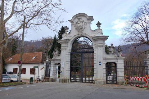 Schloss-Eggenbergエントランス