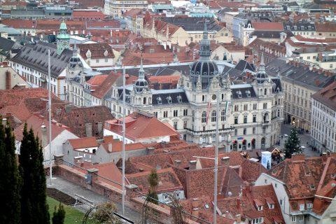 Schlossberg-grazから眺める市庁舎