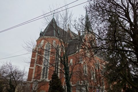 graz-herz-jesuは赤茶色の建物