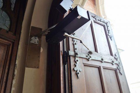 graz-herz-jesuの自動ドア