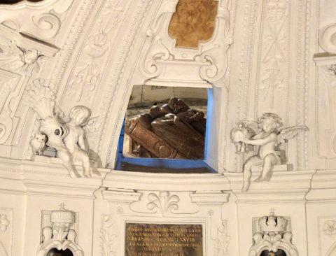 mausoleum-graz地下室の鏡