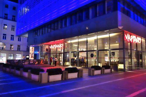 vapiano-grazのガラス張りの店舗