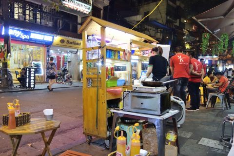 Banh-Mi-Ha-Noi-nightmarket