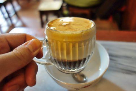 エッグコーヒーのカップ