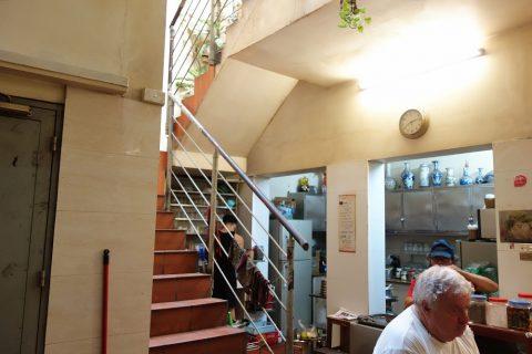 Cafe-GIANG39の店内は2階