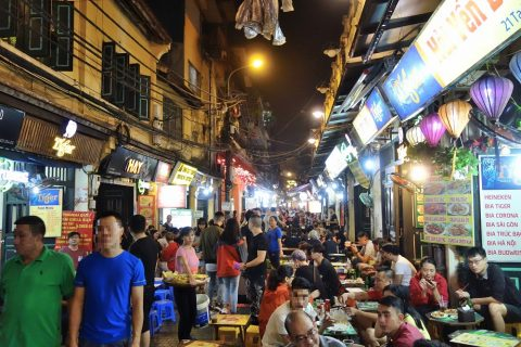 Ta-Hien通りの商店/ハノイナイトマーケット