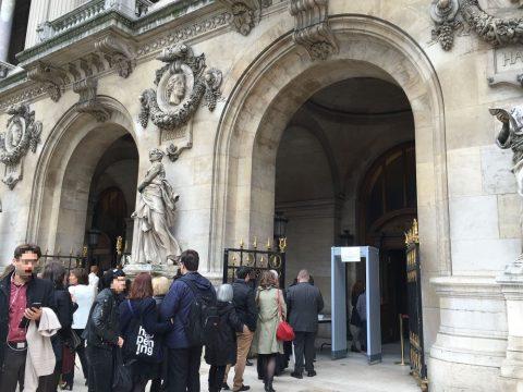 パリのオペラ座ガルニエの手荷物検査