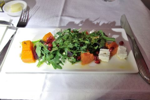 Roasted-butternut-squash-and-feta-cheese-salad/qatar-airways-businessclass-wien-doha (27)