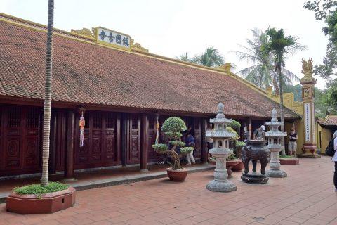 鎖国寺の建物