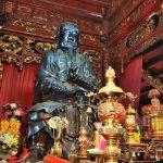 ハノイ最大!鎮武観(Đền Quán Thánh)で重さ4tの玄天鎮武神像を見る