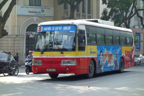 ハノイのバス