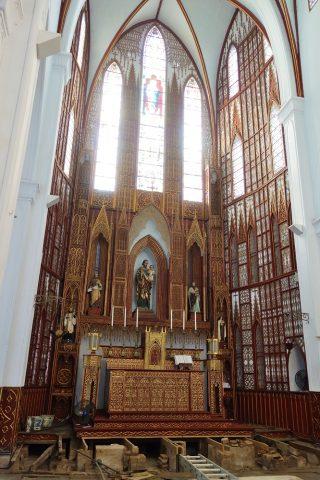 ハノイ大教会の中央祭壇
