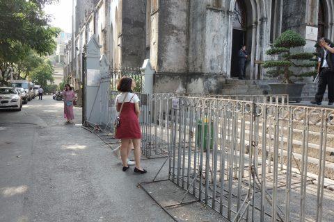 ハノイ大教会の入口