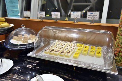 ケーキ/nia-business-lounge