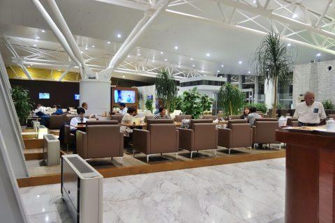 混雑/nia-business-lounge