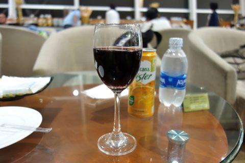 赤ワイン/nia-business-lounge