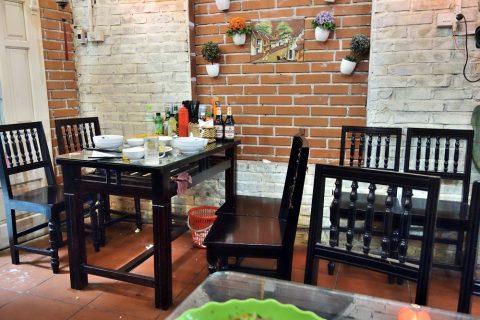 テーブル席/quanbacu-haiphong