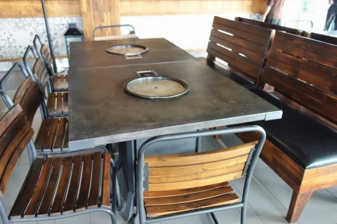 avalon-bbq-gardenのテーブル
