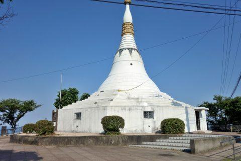 眉山の仏塔