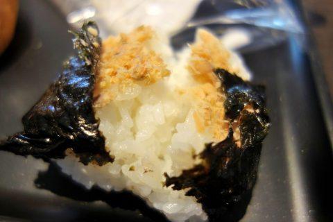鮭おにぎり/ダイヤモンドプレミアラウンジ