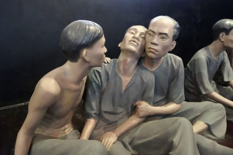 捕虜/ホアロー収容所
