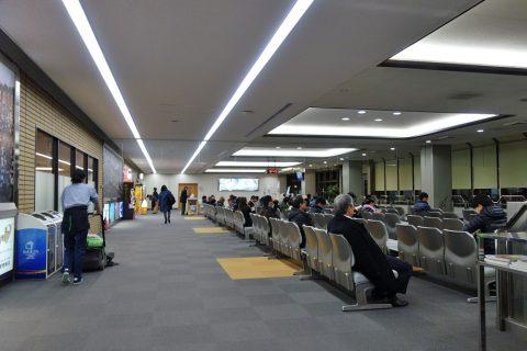 松山空港出発ロビー