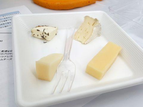 チーズの試食/日本ワイン祭