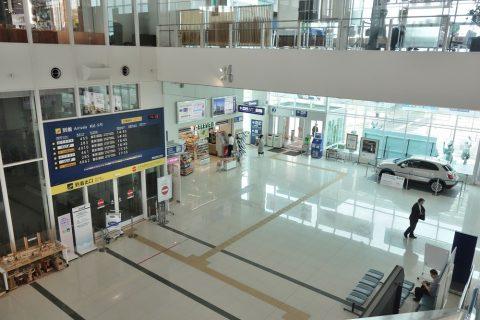 徳島空港1階