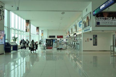 徳島空港チェックインカウンター