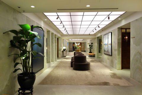 The-Pier-First-Class-Loungeの廊下