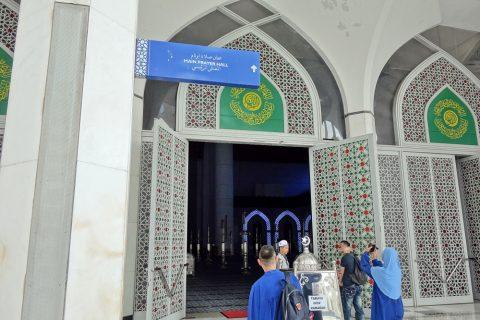 ブルーモスクの礼拝堂入口
