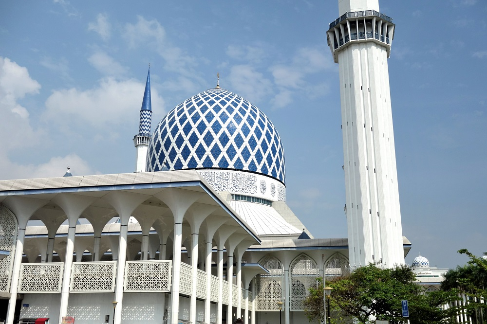 blue mosque-malaysia (4)