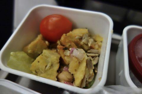 エコノミークラス機内食の小鉢